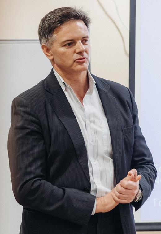 Ведущий семинара - Игорь Пээр