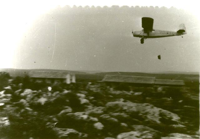 Air_dropping_supplies_to_Yehiam,_1948