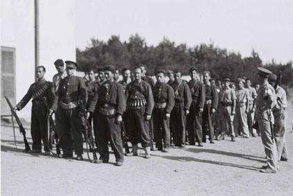 Члены ночной команды Хагана тренируются в кибуце Эйн-Харод, 1938 г.