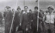 """Кибуц Эйн-Харод принимает детей - беженцев из Германии.  Первая акция """"Алият ha-Ноар"""" по спасению еврейской молодежи, 1934 г."""