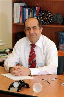 Профессор Михаил Зиниград
