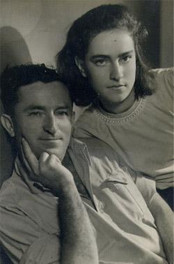 Двора Омер в детстве с отцом