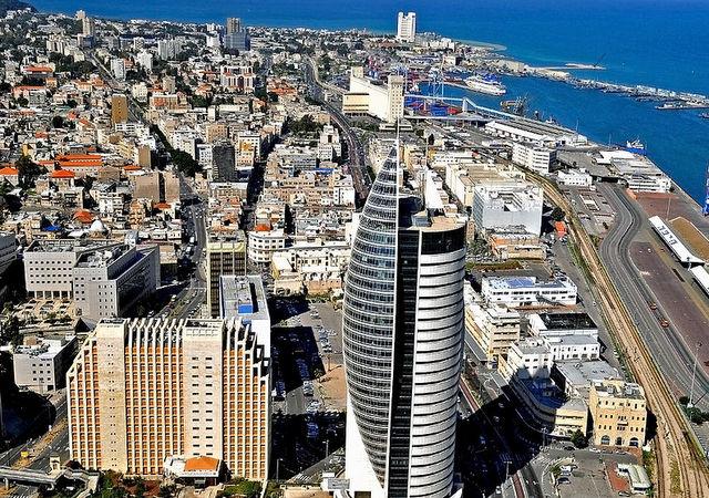 Вид на Нижний город Хайфы