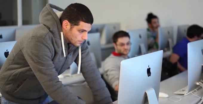סטודנטים-במעבדת-מחשבים