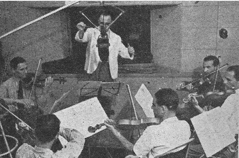 Репетиция оркестра в студии