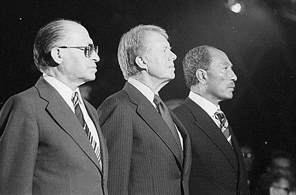 Менахем Бегин, Джимми Картер и Анвар Садат. Кемп-Дэвидский договор