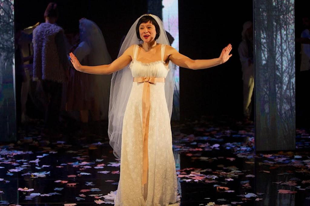 Розалинда в спектакле «Как вам это понравится». Фото: Ради Рубинштейн