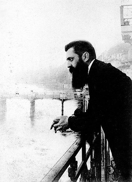 434px-Herzl-balcony