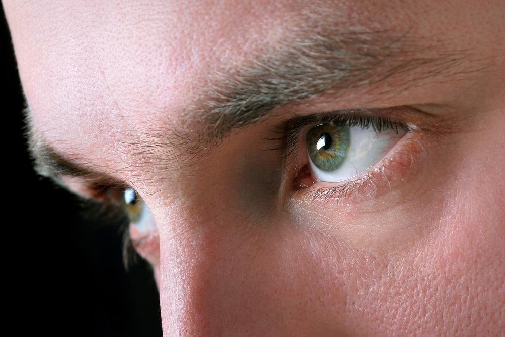 blinking_eye_man