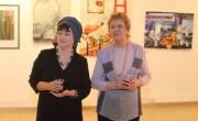Марина Шелест (слева) и Марина Генкина на открытии выставки «Натюрморт» в иерусалимской галерее «Скицца»