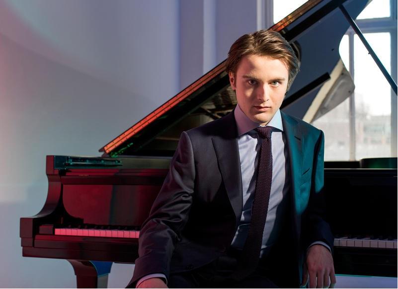 Даниил Трифонов у рояля